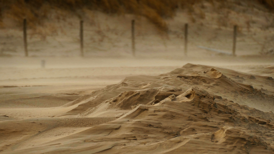 Zandstorm langs de Noordzeekust. Katwijk