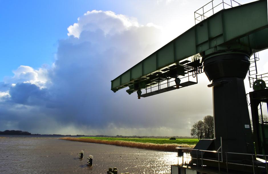 Winter in Nederland met flinke storm en regenbuien