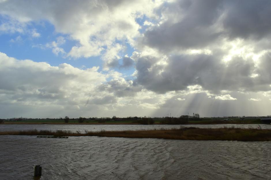 Prachtige wolkenluchten tijdens de storm