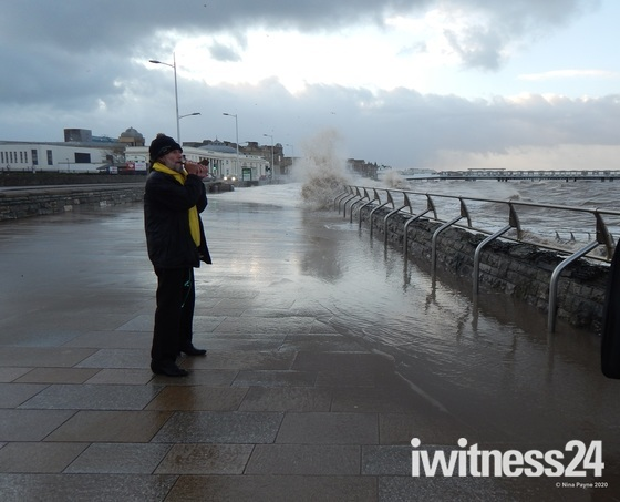 High Tide 08:30am Weston-super-Mare Seafront