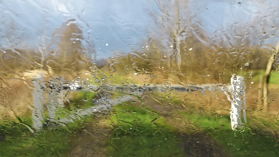 Zon, regen, hagel en natte sneeuw