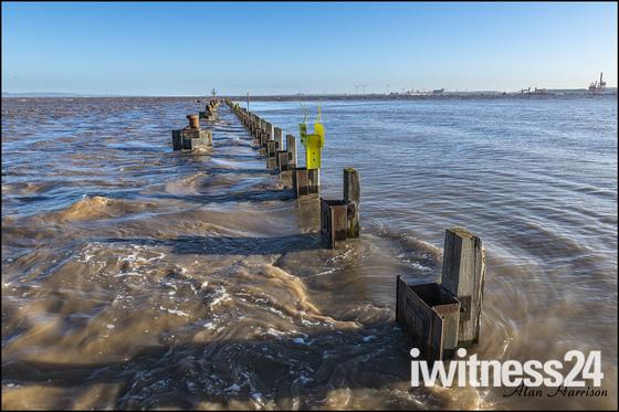 High tide nat the pier