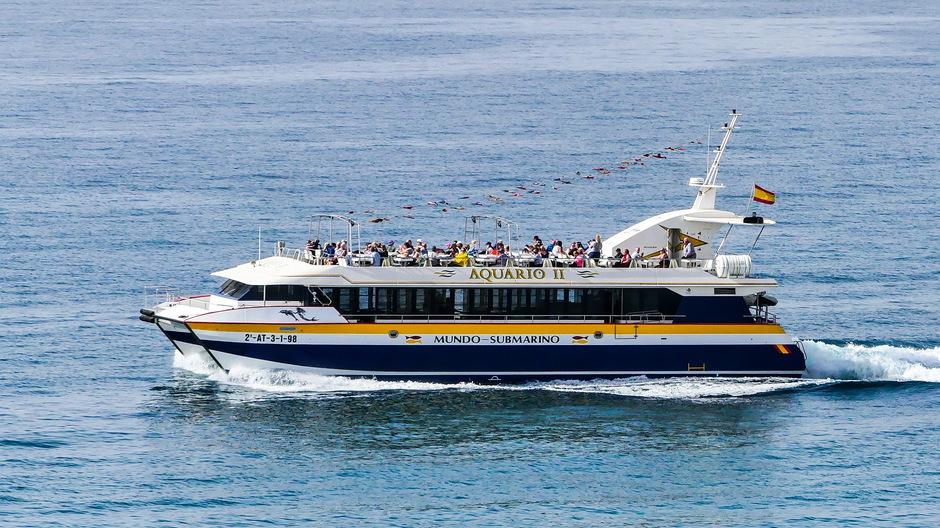 Zonnig volle bak op de boot