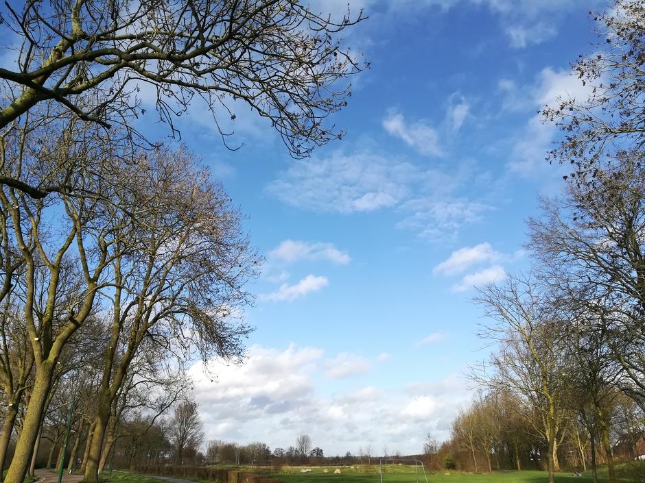 Vanmiddag opklaringen en veel blauwe lucht