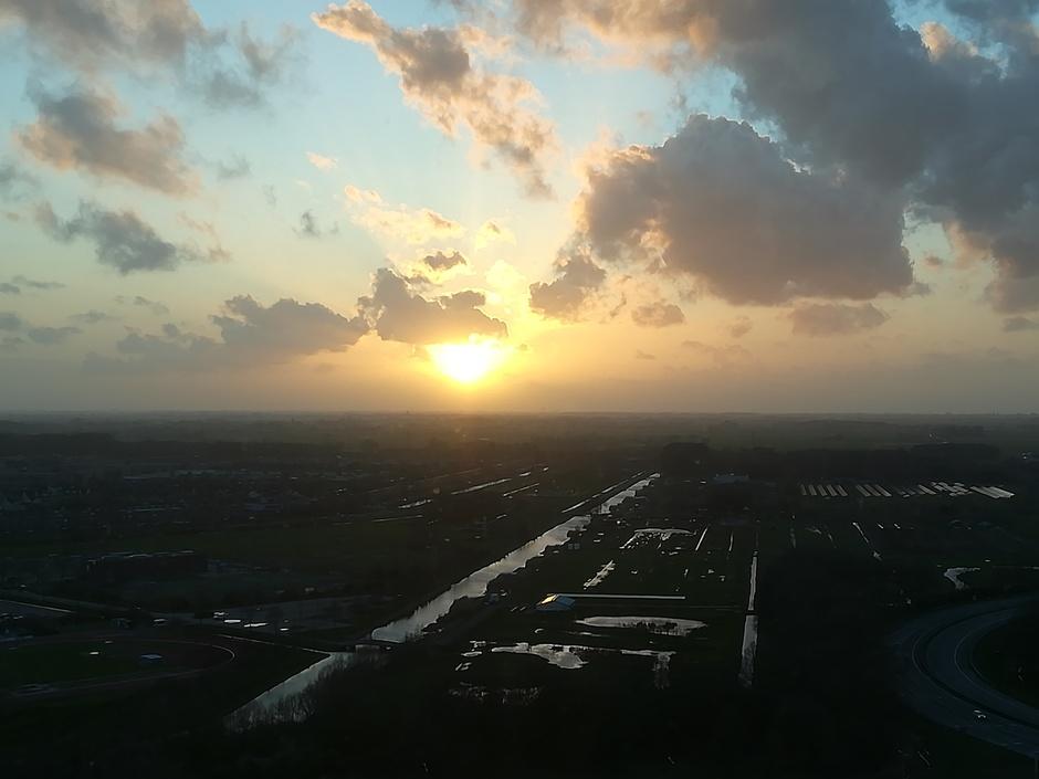 Mooie zonsondergang vanuit Utrecht, Westraven