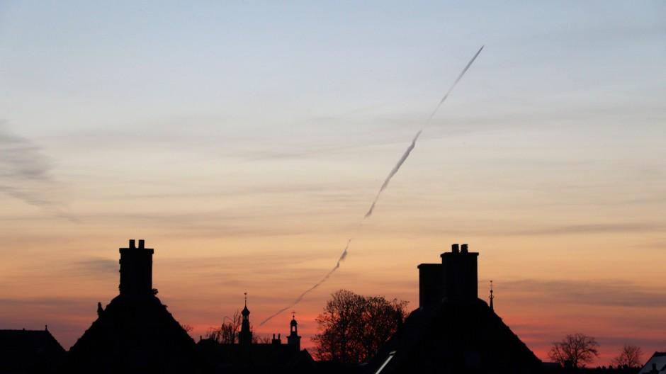 Gorinchem silhouette stad na zonsondergang