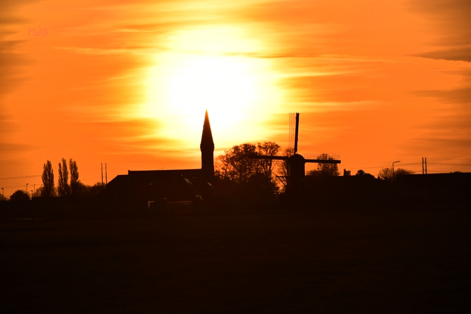 Oud Ade bij zonsopkomst