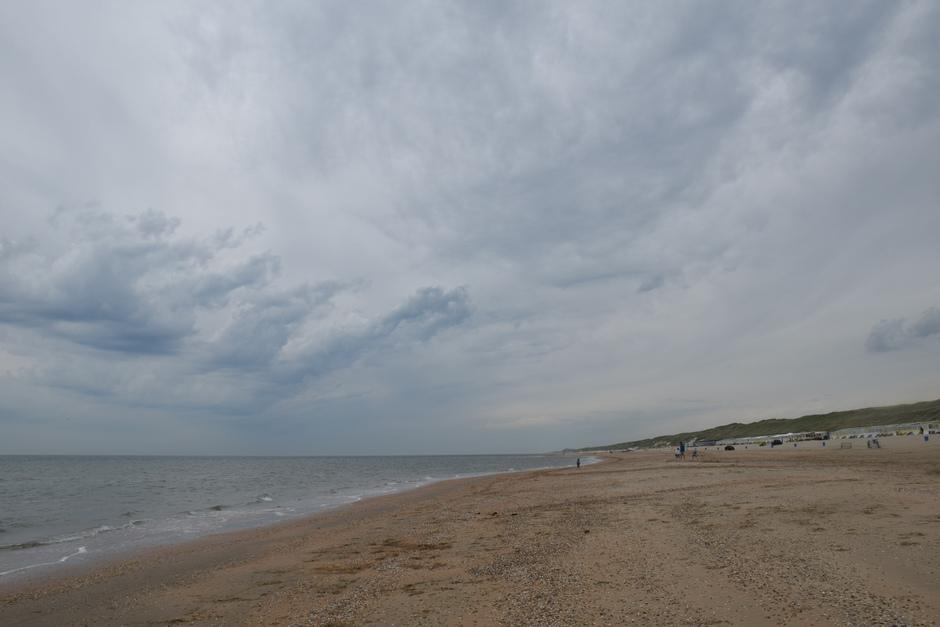 Benauwd, bijzondere wolkenslierten, weersverandering 9.45