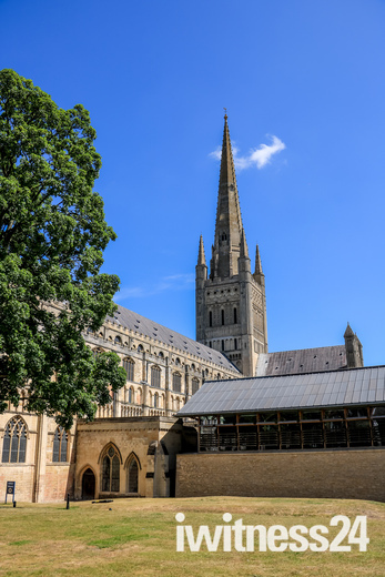 A very sunny Norwich Cathedeal