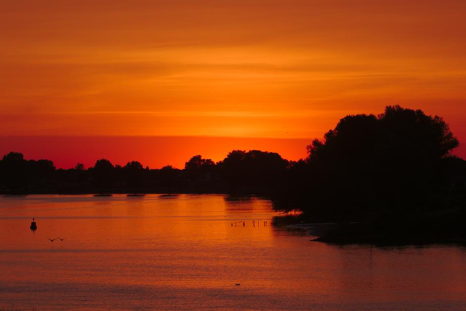 20200531 Zonsondergang bij de Maas, nabij Den Bosch