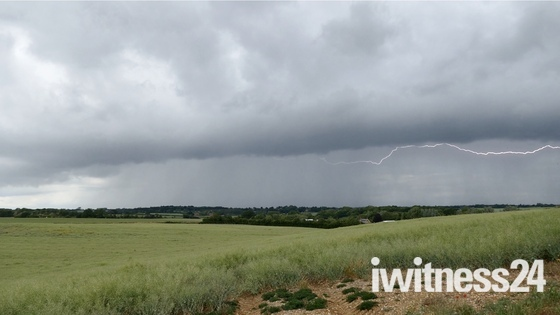 Stormy skys and Lightning at Hadleigh 06/06/2020