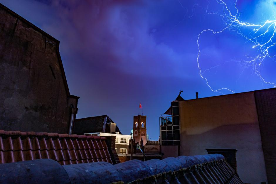 Onweer boven Amsterdam, Beurs van Berlage