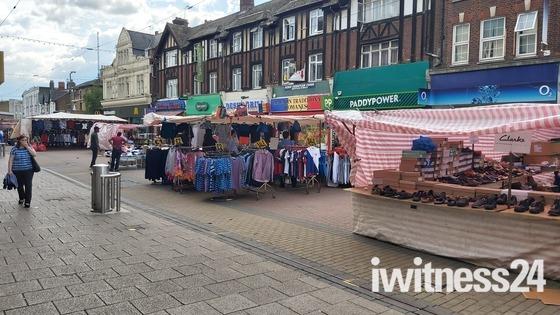 Barking Market reopens during pandemic
