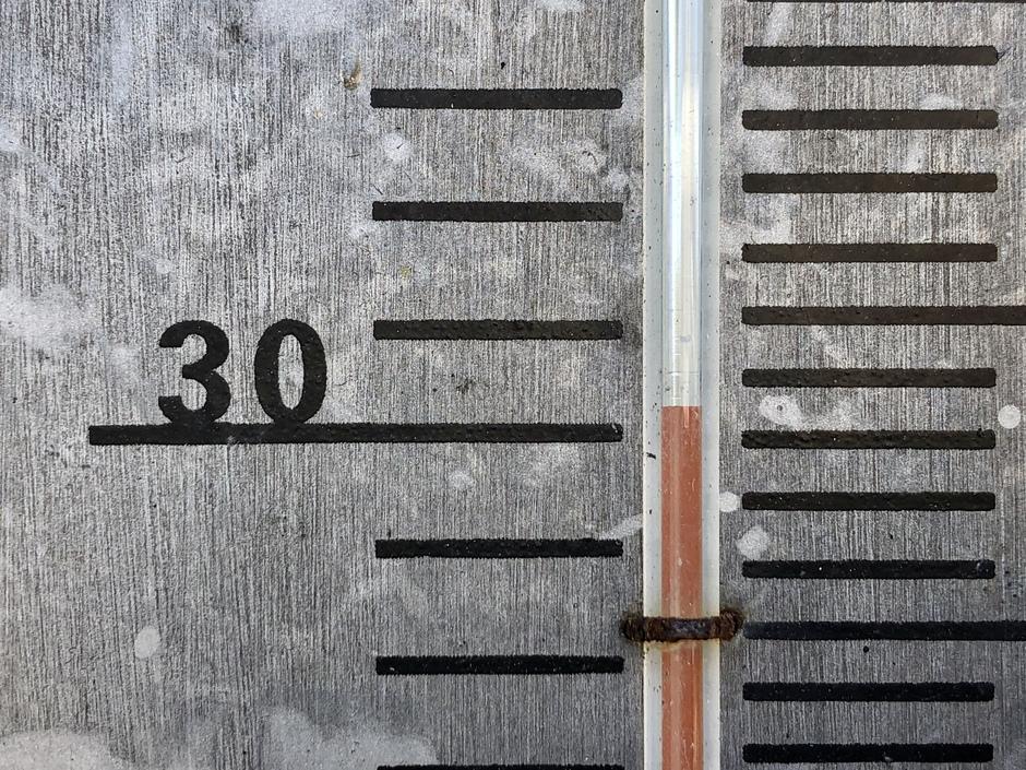 Welke plaats in NL bereikt er het eerst de 30 graden