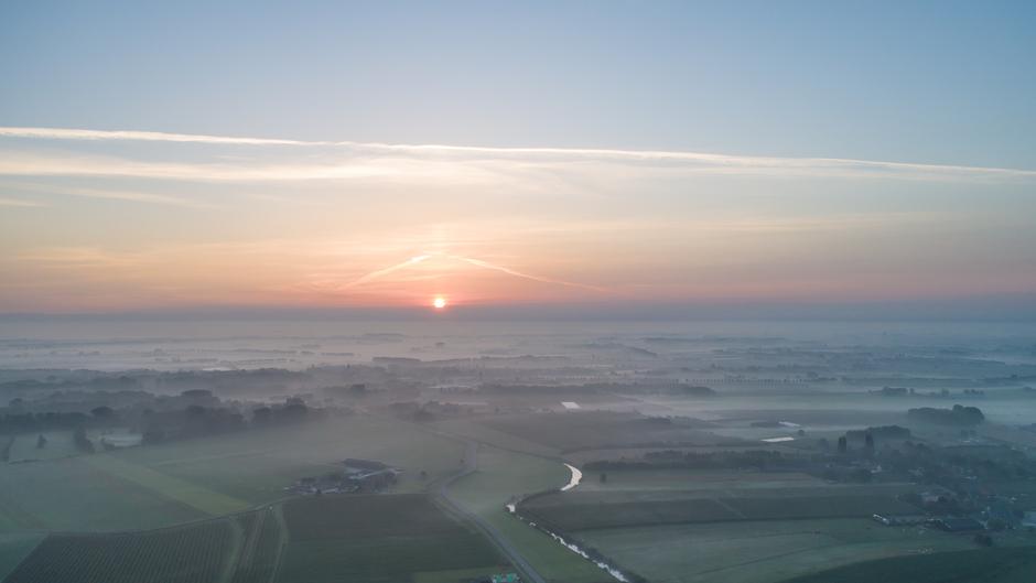 Nevel en zon vanmorgen vroeg