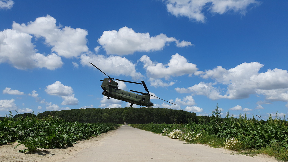 Chinook oefening in Zuid-Beijerland