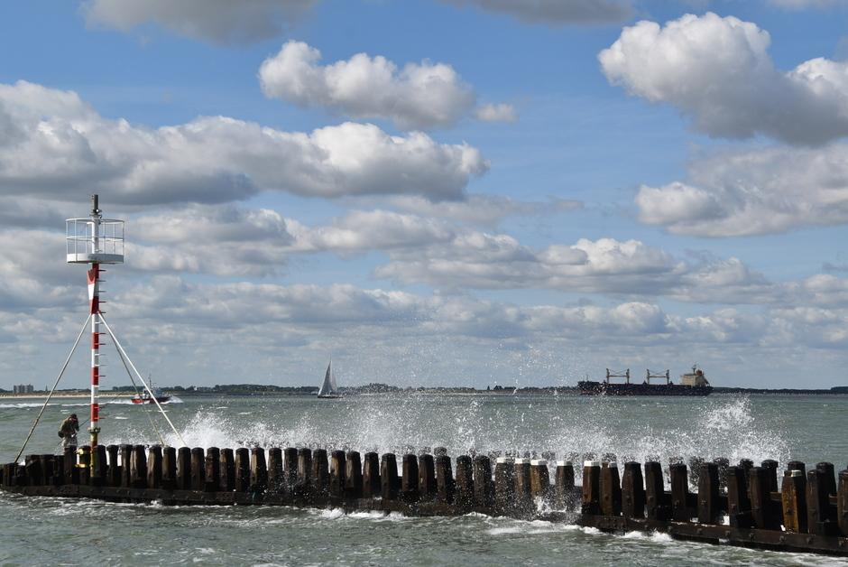 Nog een stevige wind aan zee vanmorgen