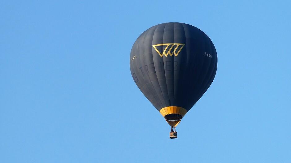 rond 7.30 uur was het srakblauw er gleed al een ballon voorbij