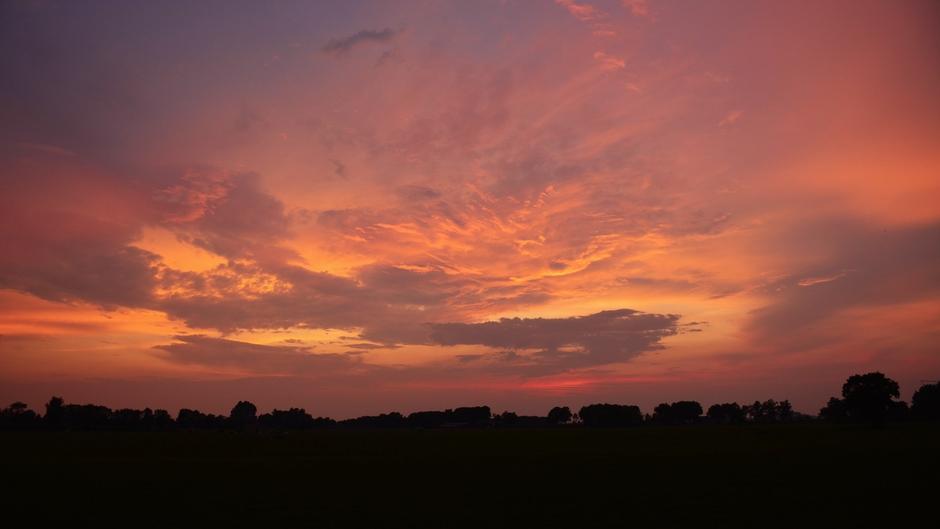 Prachtige avondkleuren net na zonsondergang