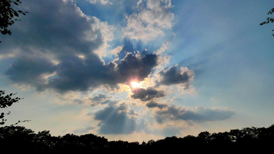 Wolken boven landgoed Beerschoten