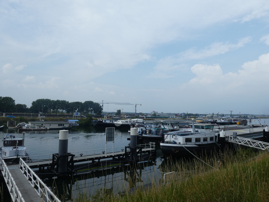 Binnenhaven Maasbracht.