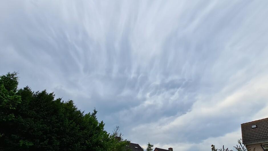 De lucht op dit moment boven Roermond Oost