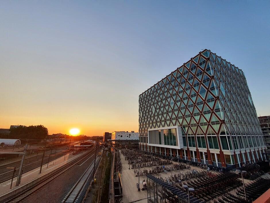 Zonsondergang Station Gouda Centraal