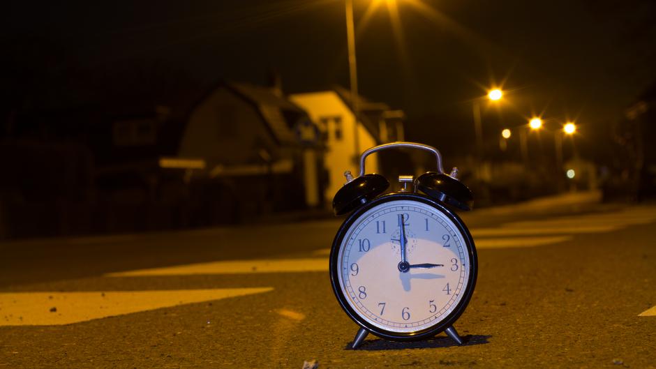 Kabinet huiverig voor avondklok vanwege Tweede Wereldoorlog