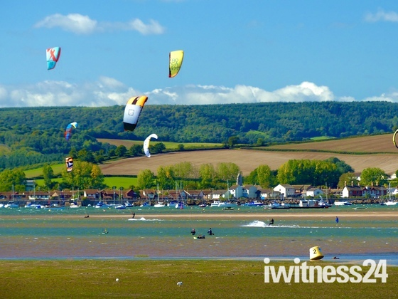 Wind surfing on the Exe