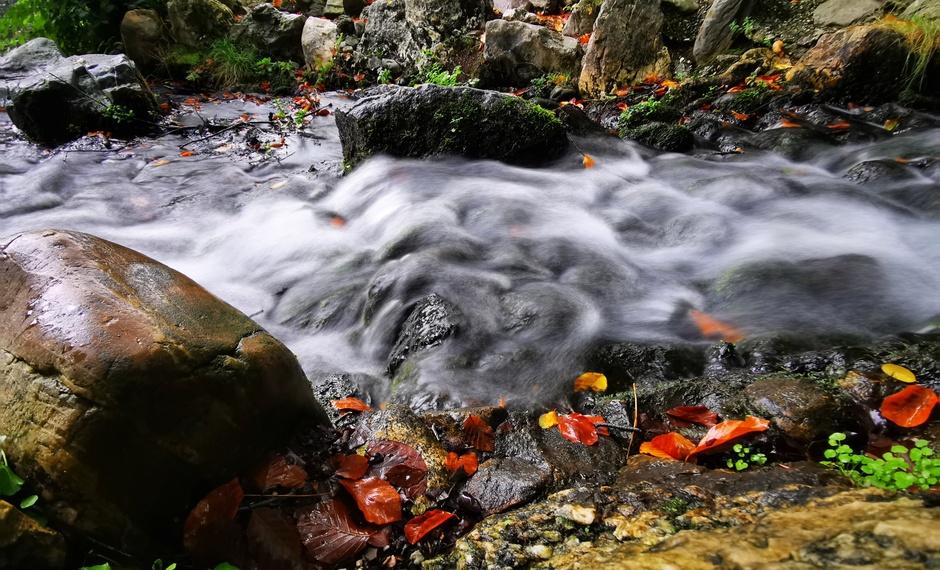 Herfst bij de waterval