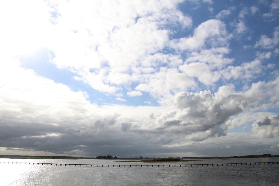 Zon en wolken bij het mooie Dannemeer
