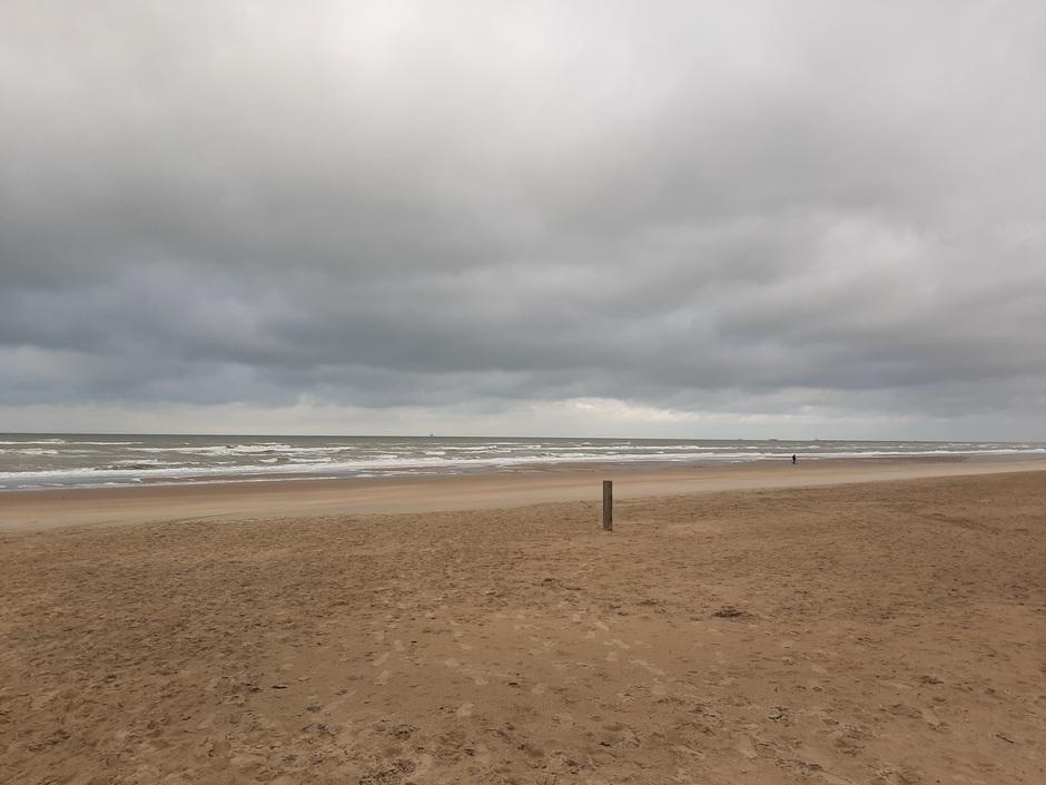 Veel bewolking aan de kust