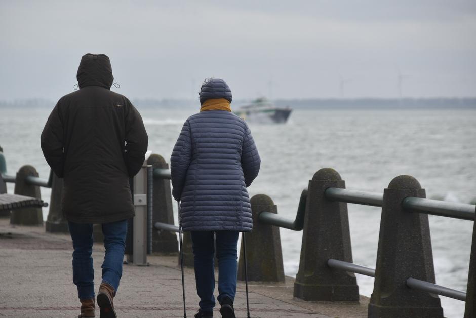 Koud aan zee, warme kleding