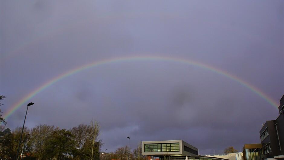 bewolkt 10 gr en dubbele regenboog