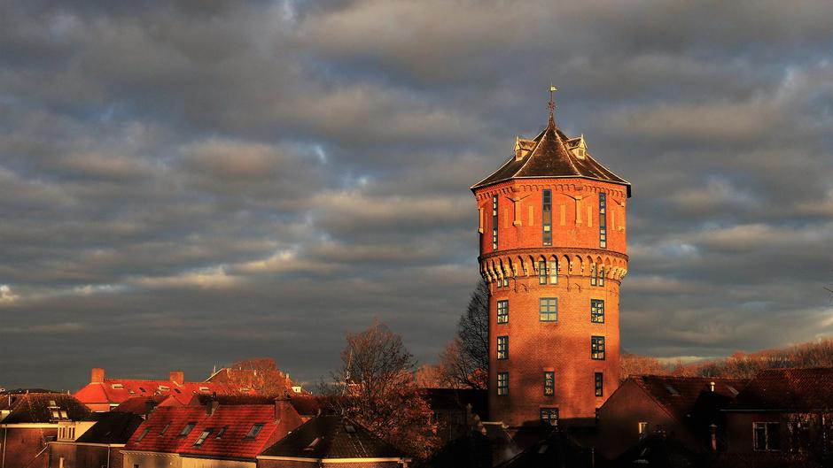 Dreigende wolken boven Gorinchem
