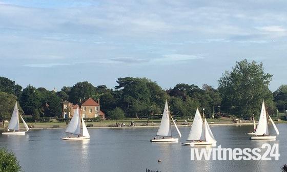Full sail on Oulton Broad