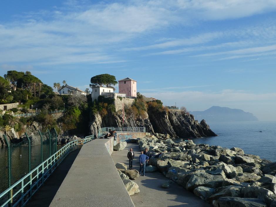 Zonnige winterkust Nervi - Italie