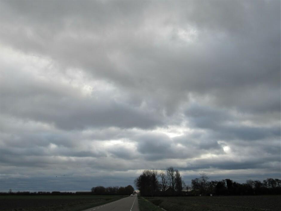 Dikke donkere wolken vandaag