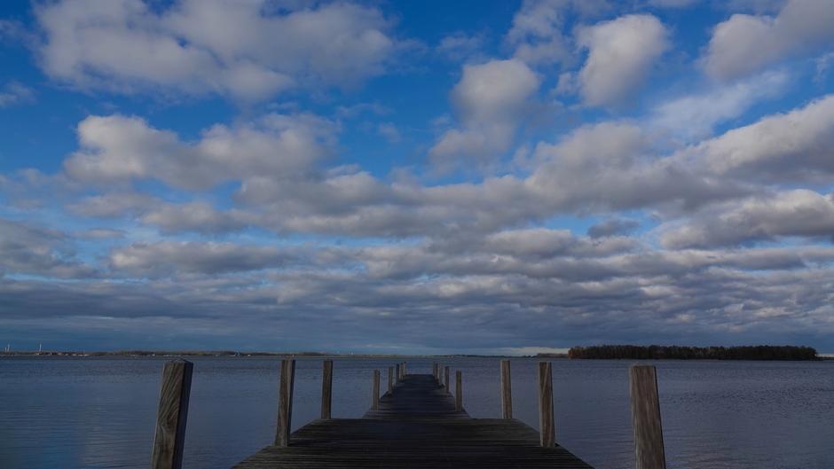 Veel wind - wolken en zon Veluwemeer