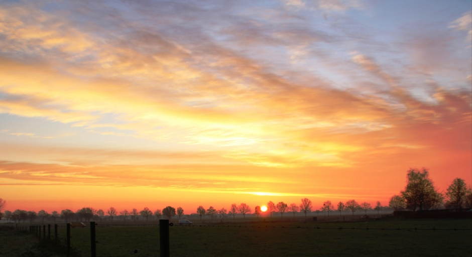 Een kleurrijke zonsopkomst