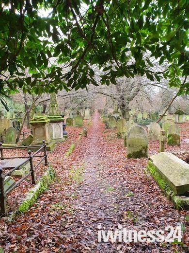 Rosary Cemetery Wander