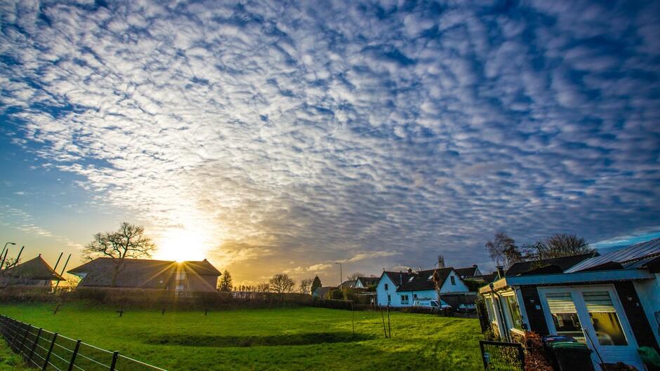 Zon en mooie wolken om 9.30 uur