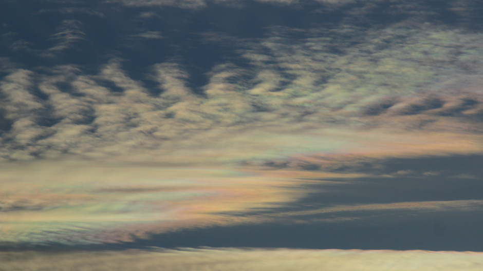 Fraai irriserende wolken
