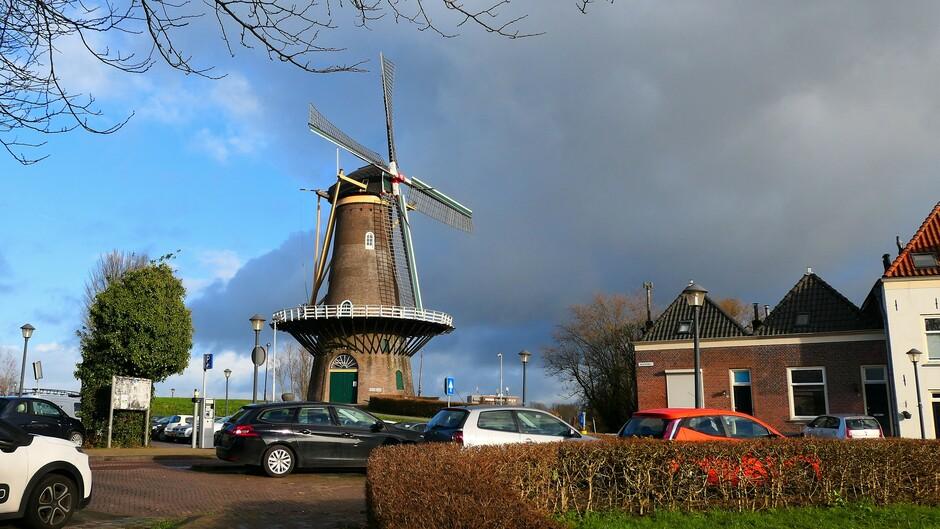 17-1-2021 Gorinchem zon en dreigende wolken