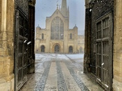 Norwich cathedral witnessing another snowfall ❄️