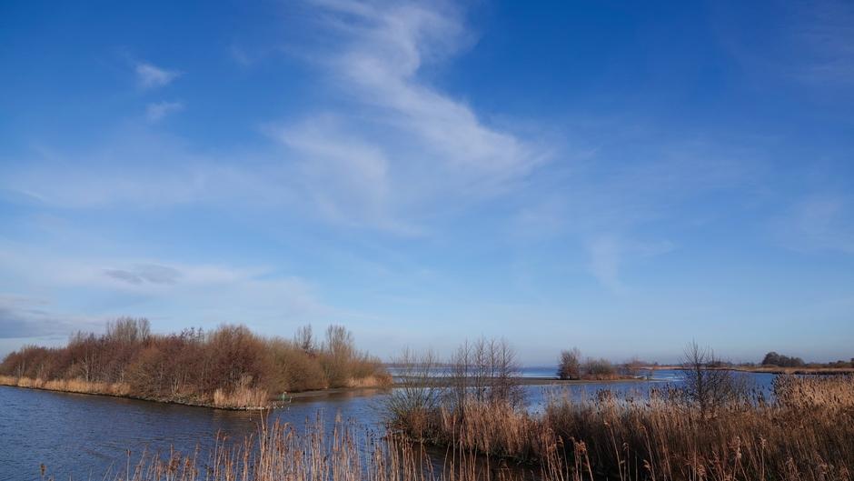 Mooie blauw met wat wolken en zon Veluwemeer