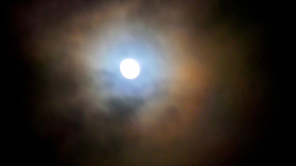 Corona rond de maan