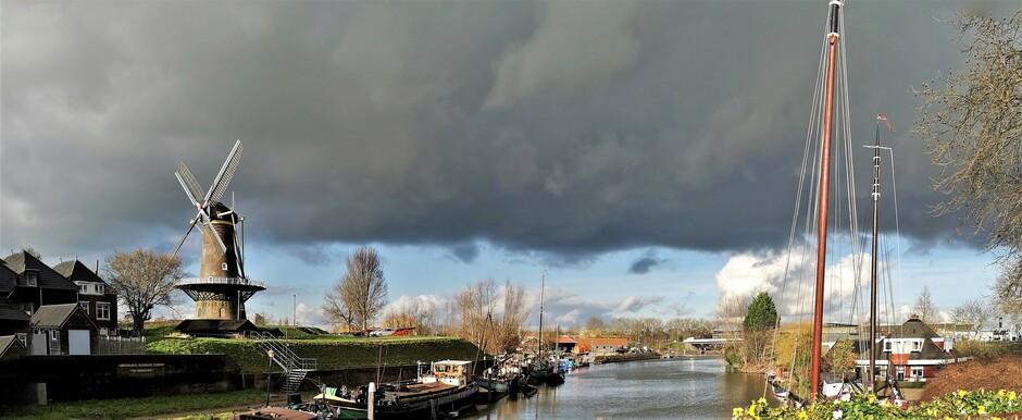 14:45 Gorinchem wisselend bewolkt