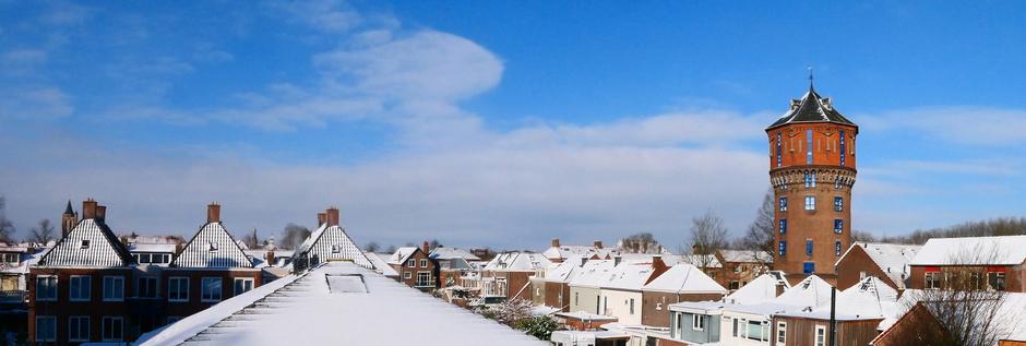 09-02-2021 Sneeuw en zon Rond De Watertoren in Gorinchem