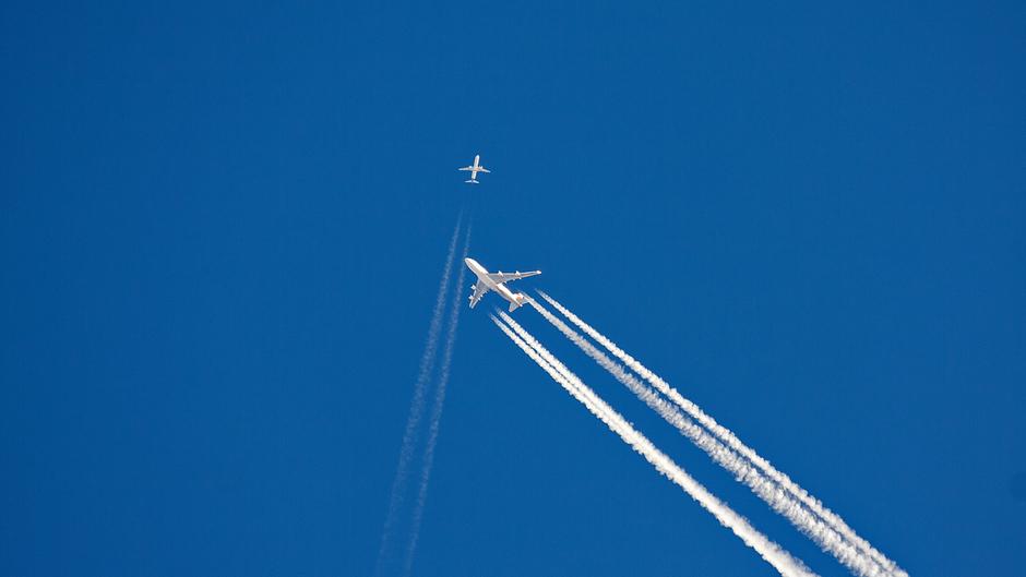 Kruising vliegtuigen op 10 kilometer hoogte